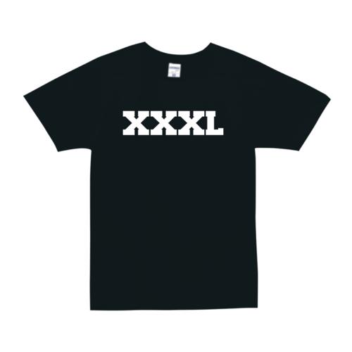 「XXXL」文字デザインのオリジナルTシャツ