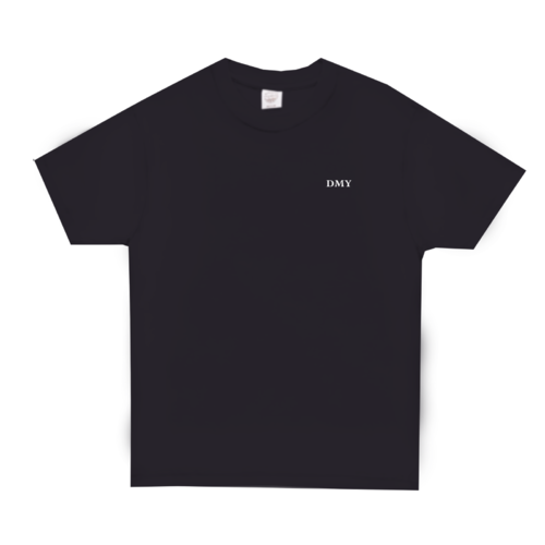 「DMY」ワンポイントデザインのオリジナルTシャツ