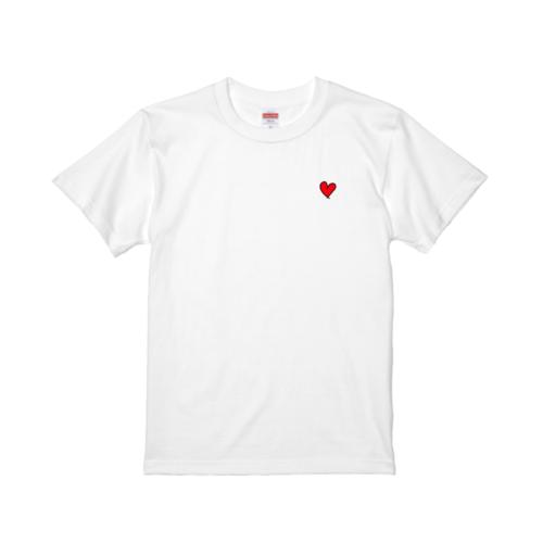 ハートのイラストをワンポイントデザインしたオリジナルTシャツ