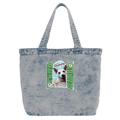 愛犬の写真と窓のイラストを組み合わせたデザインのオリジナルトートバッグ