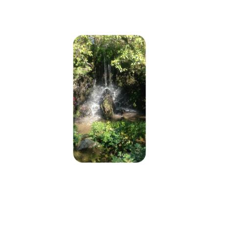 旅行先で撮った滝の写真をプリントしたオリジナルモバイルバッテリー
