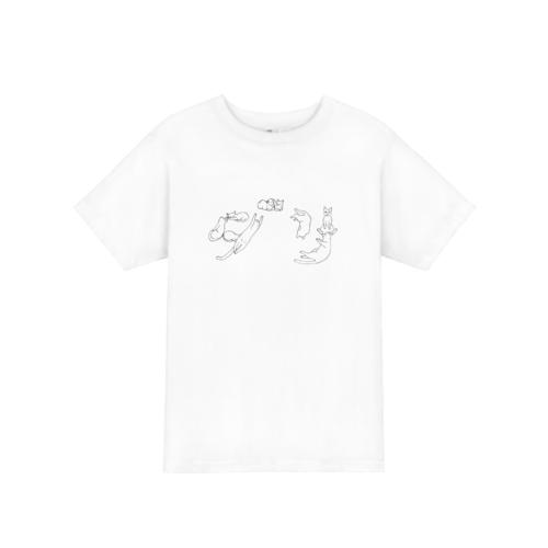 色々なポーズをしたネコのイラストでデザインしたオリジナルTシャツ